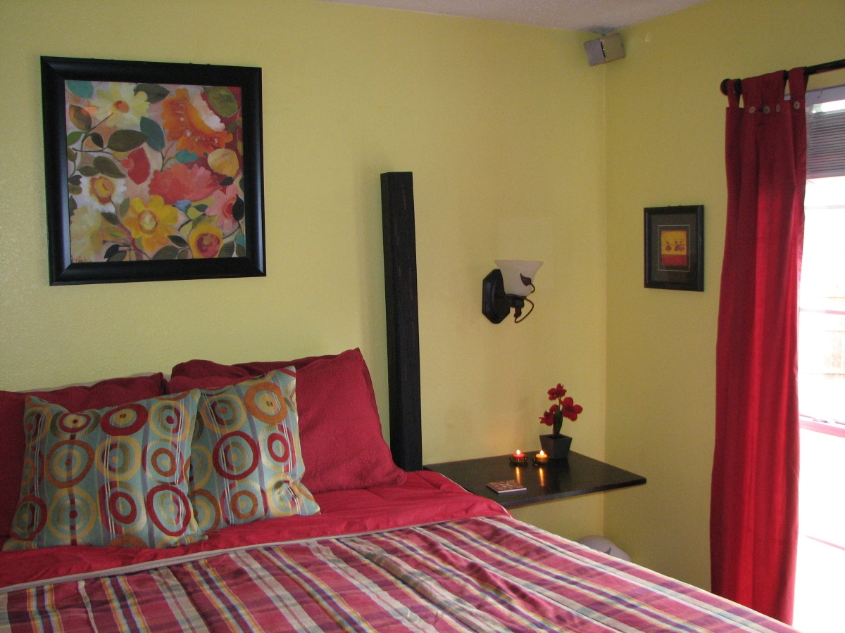 Cozy Bedroom | Unisen Media LLC