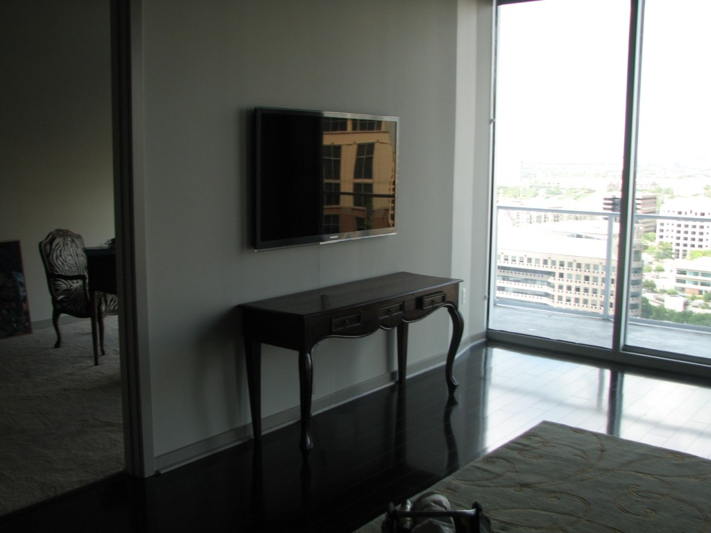 TV installation on wall Dallas
